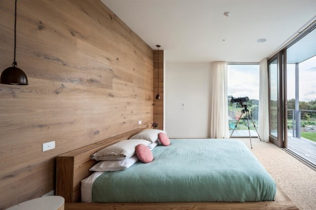 19 Classy Interior Designs With Wooden Wall
