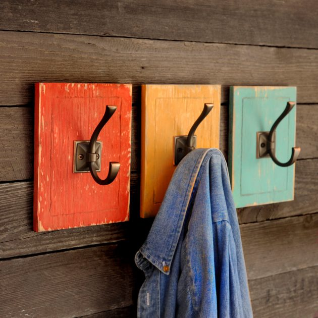 17 Amazing Handmade Wall Hook Designs To Better Organize Your Home