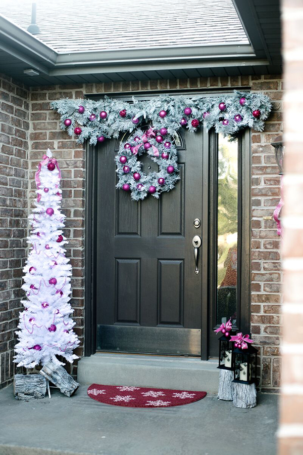 Extravagant Christmas Decorations For Your Front Door