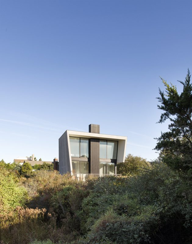Beach Hampton by Bates Masi Architects in Amagansett, USA