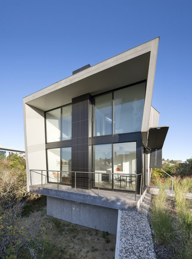 Beach Hampton by Bates Masi Architects in Amagansett, USA