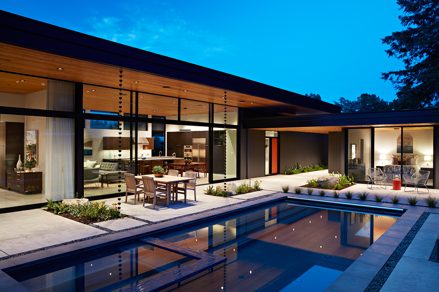 Glass wall house by klopf architecture for Home architecture