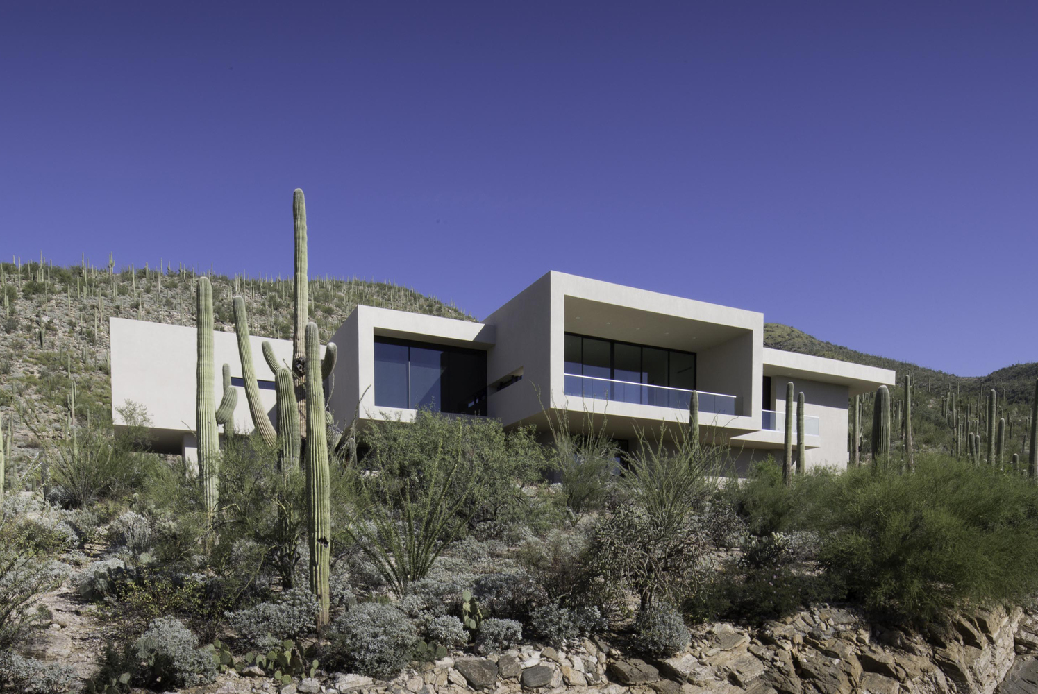 House In Sabino Springs By Kevin B Howard Architects In
