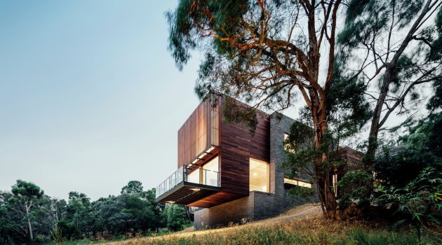 Invermay House by Moloney Architects in Ballarat, Australia