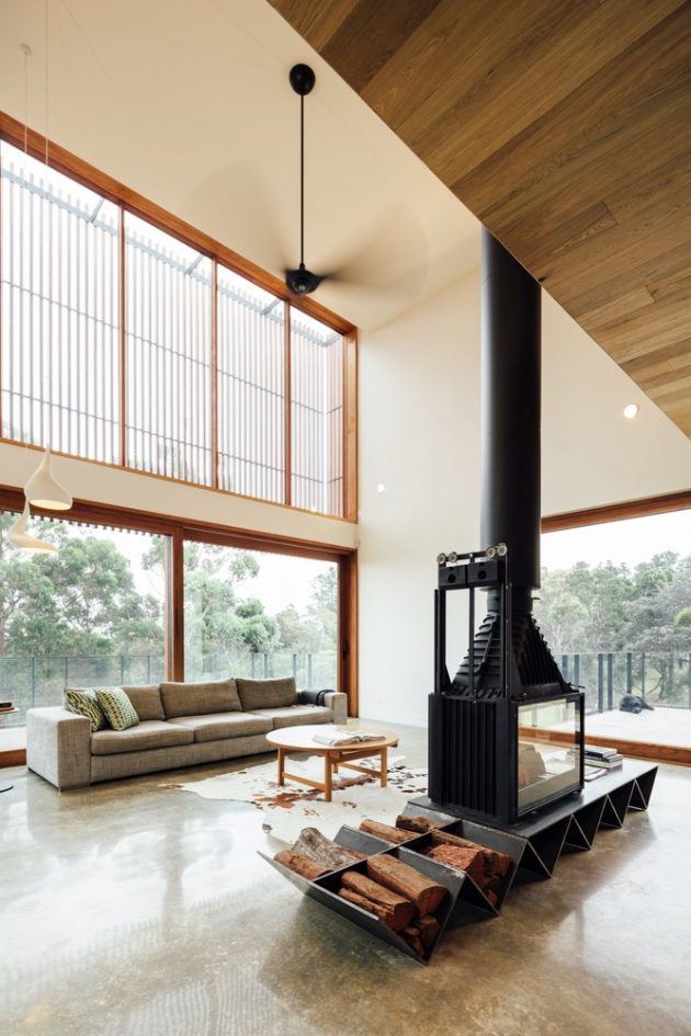 Invermay House by Moloney Architects in Ballarat, Australia