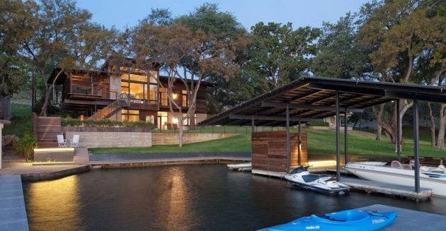Lakeside Retreat by Lake Flato Architects in Horseshoe Bay, Texas