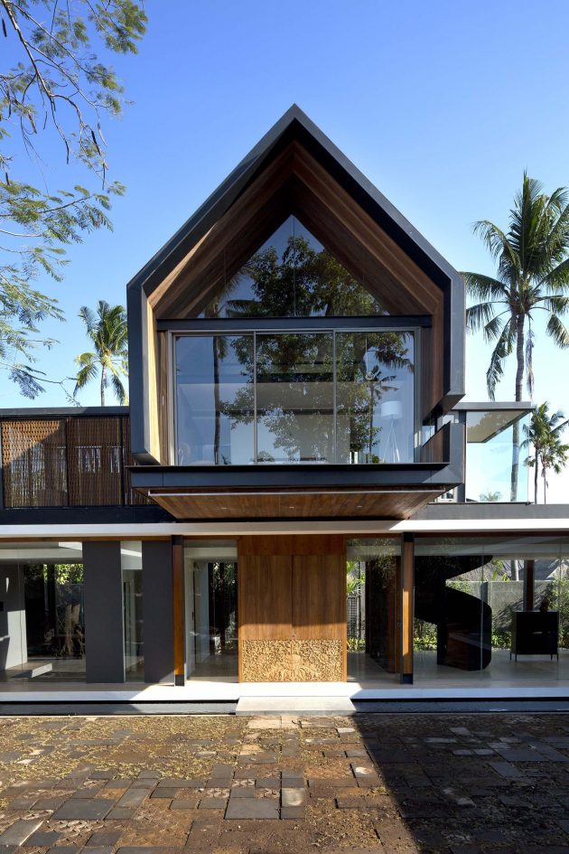 Svarga Residence by RT+Q Architects in Bali, Indonesia