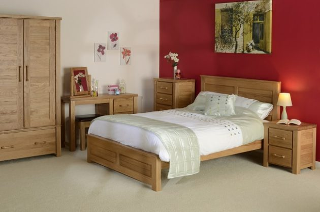 Timeless Bedroom Designs With Wooden Furniture For Pleasant Stay