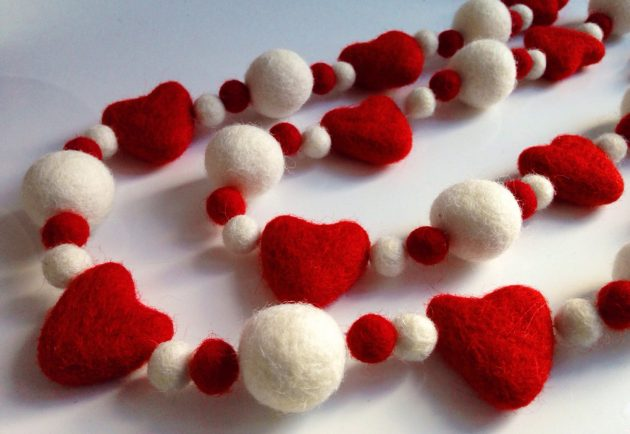 15 Amazing Handmade Christmas Garland Designs You're Gonna Love