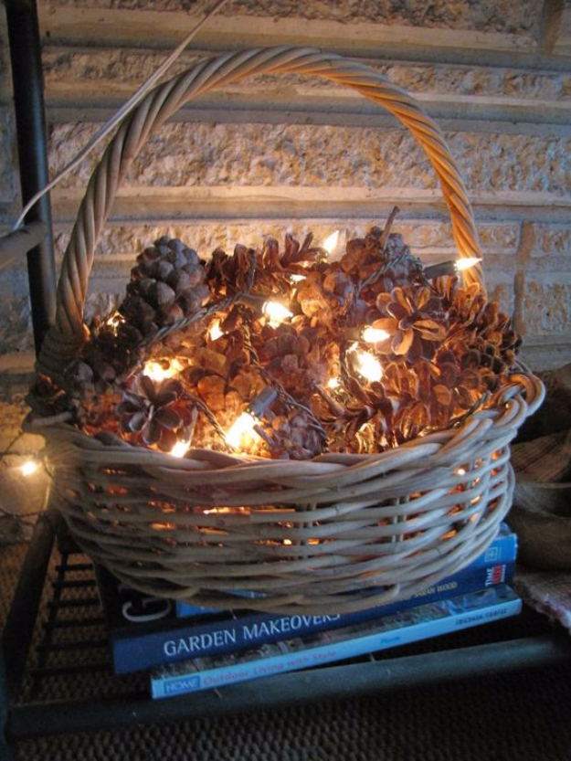 15 Astonishing Ways To DIY With Your Christmas Lights