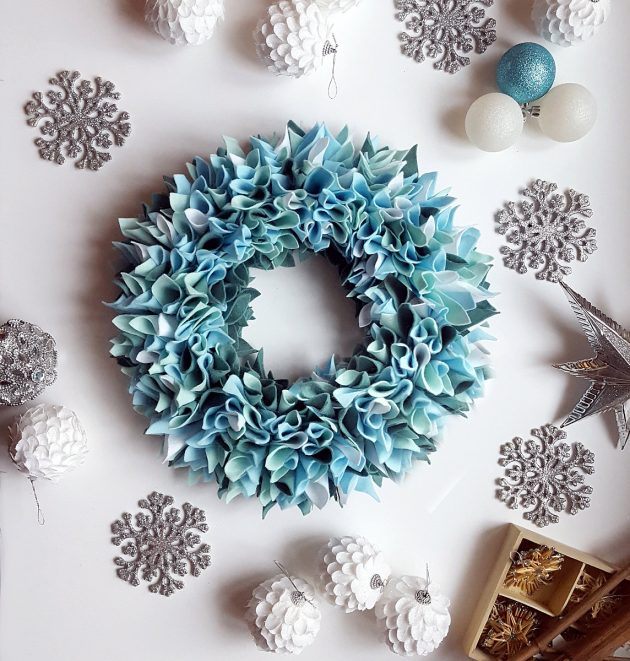 16 Charming Handmade Winter Wreath Designs Your Front Door Lacks