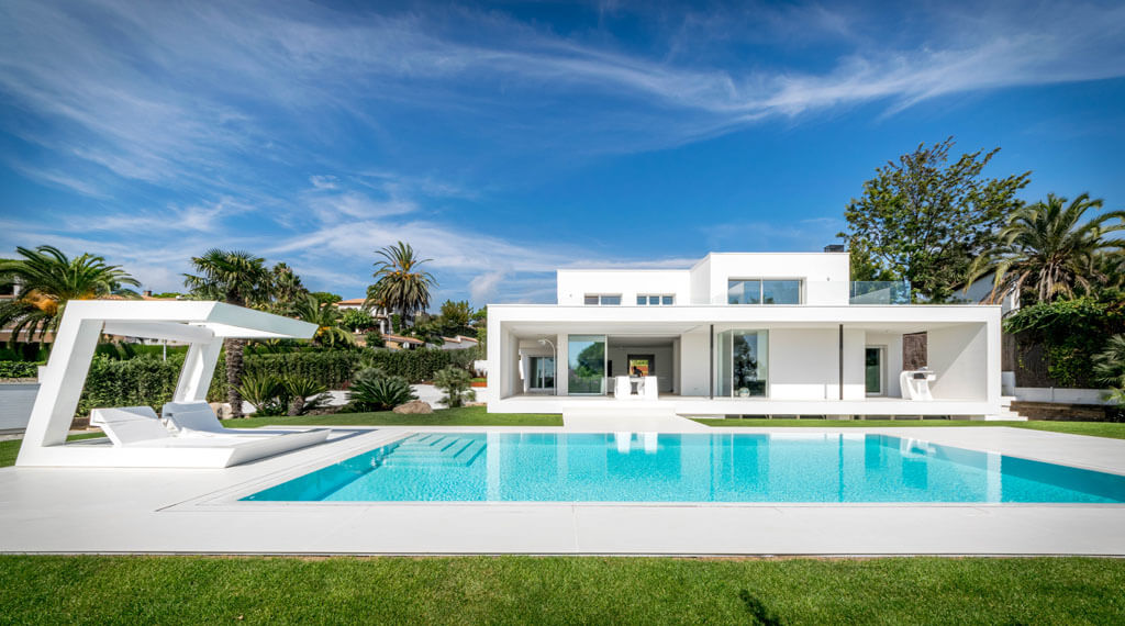 Herrero house by 08023 architects in barcelona spain for Modern houses in spain