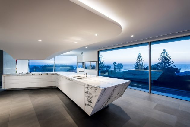 Trigg Residence by Hillam Architects in Trigg, Australia