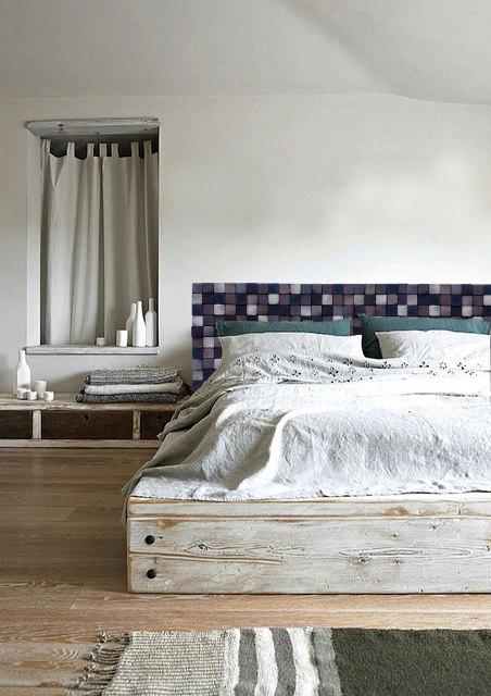 15 Eye-Catching Reclaimed Wood Furniture Designs