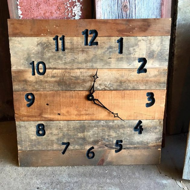 18 Incredible Handmade Reclaimed Wood Decor Ideas