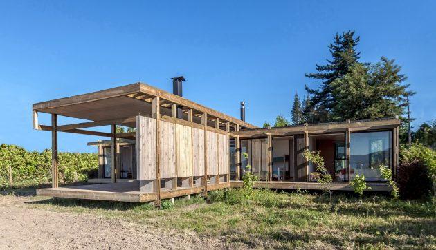 Assemble House by PAR Arquitectos in Las Cabras, Chile