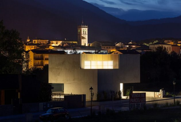 Bitten House by arnau estudi d'arquitectura in Spain