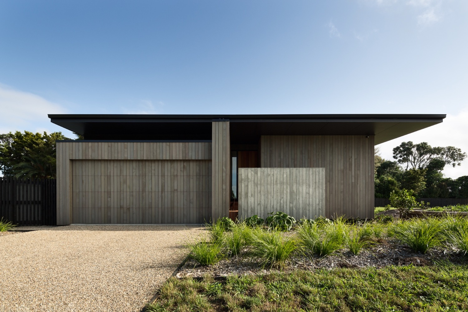 House Under Eaves by MRTN Architects in Point Wells New Zealand