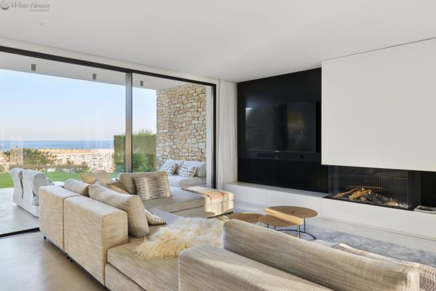 J&P House by White Houses Costa Dorada in Spain