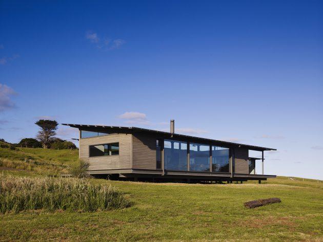Sugar Gum House by Rob Kennon Architects in Apollo Bay, Australia