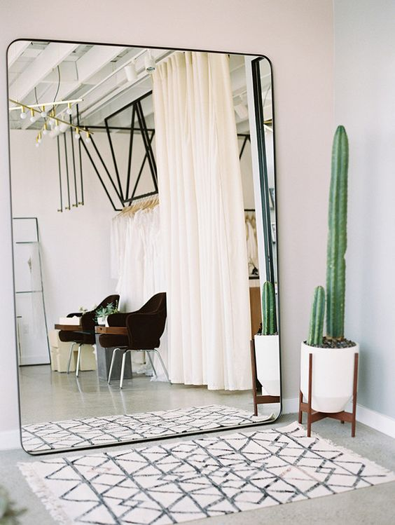 19 Timeless Ways To Decorate Your Stylish Home With Oversized Mirrors