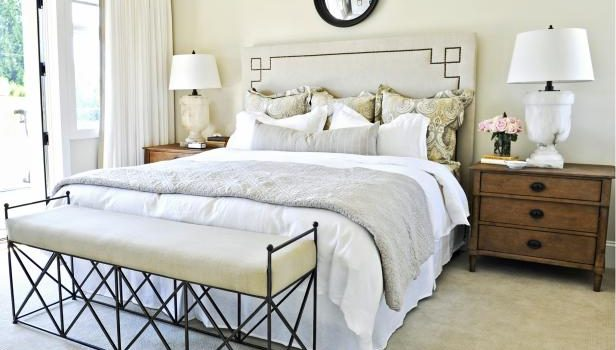 16 Super Functional Ideas For Decorating Small Bedroom