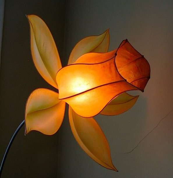 Top The Most Extravagant Flower Lamp Designs You