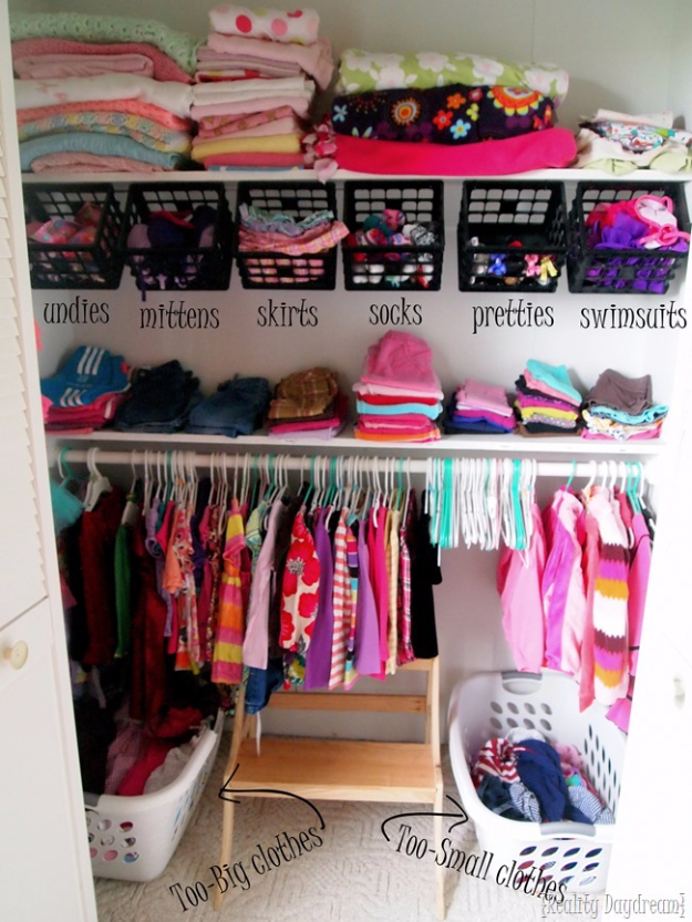 15 creative diy organizing ideas for your kids 39 room Diy wardrobe organising ideas