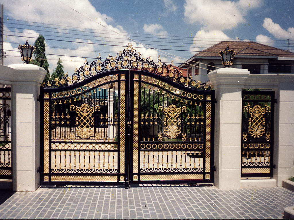 17 elegant gates to transform your yard into inviting place Home get design