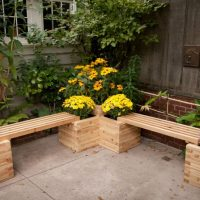 18 Delightful Planter Bench Designs That Are Worth Seeing