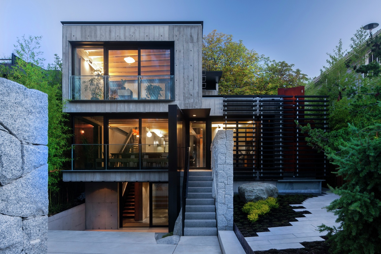 Cloister house by measured architecture in vancouver canada for Home designs vancouver