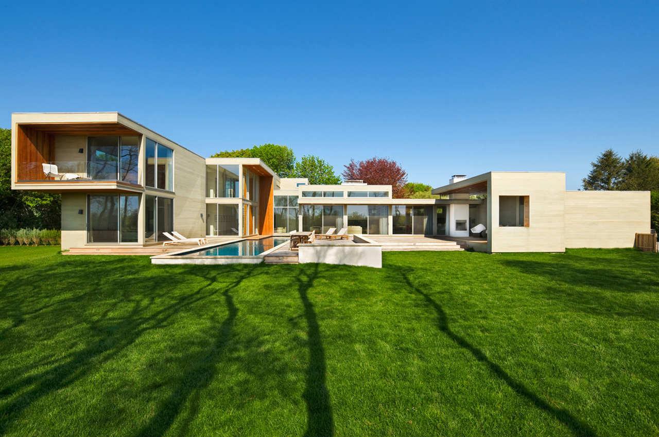 Fieldview residence by blaze makoid architecture in east - Green living room ideas in east hampton new york ...