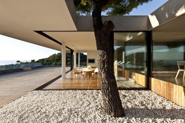Plane House by K Studio in Skiathos, Greece