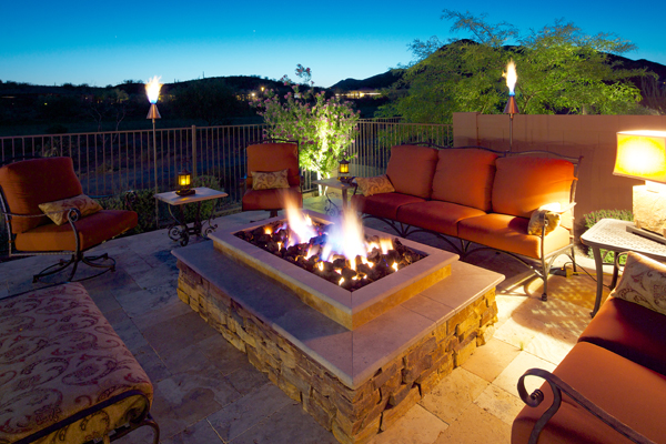 17 Extravagant Backyard Fireplaces Amp Fire Pits That Will