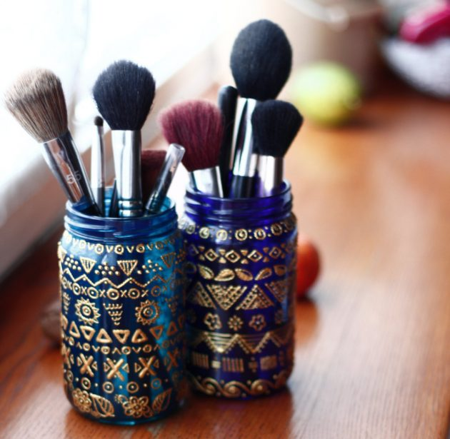 15 Cool And Practical Handmade Makeup Organizer Designs