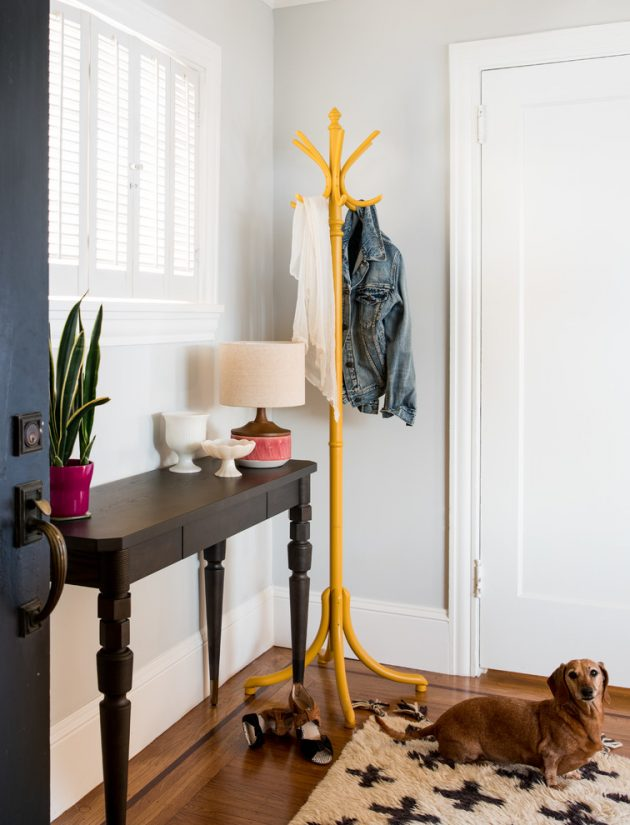 15 Embracing Transitional Foyer Designs That You'll Adore