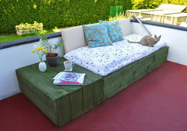 15 Fantastic DIY Decor Ideas For Your Patio And Porch