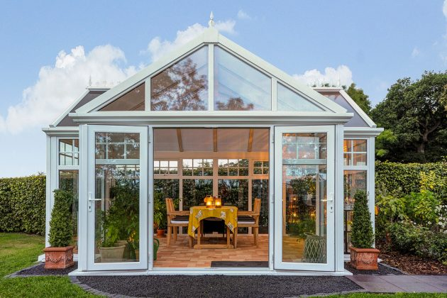 15 Splendid Transitional Sunroom Designs You'll Love To Have In Your Home