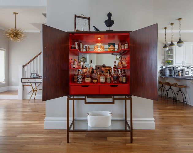 16 Elegant Transitional Home Bar Designs To Entertain Your Guests