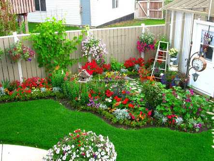 16 Small Flower Gardens That Will Beautify Your Outdoor Space