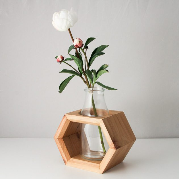 15 Captivating Modern Vases That Are Worth Your Time