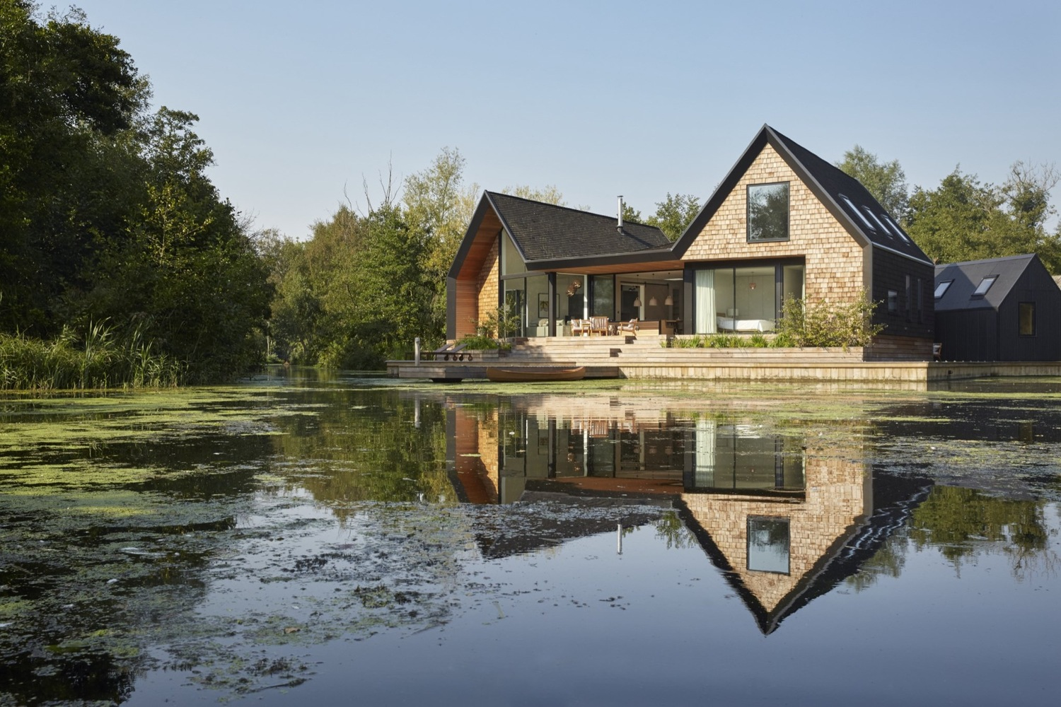 Backwater house by platform 5 architects in norfolk uk for Architects norfolk