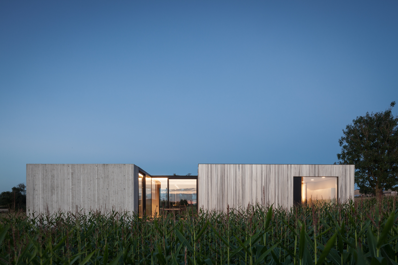 Caswes house by toop architectuur in heuvelland belgium for Maison minimaliste belgique