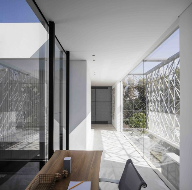 N2 House by Pitsou Kedem Architects in Hezeliya Pituach, Israel