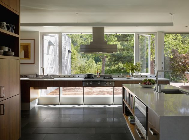 Shou Sugi Ban House by Schwartz and Architecture in Los Gatos, California
