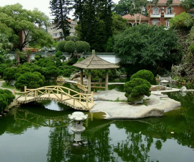 16 Divine Garden Bridges To Enter Diversity In Your Backyard