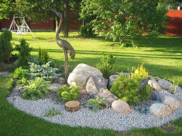 17 Outstanding Small Garden Designs That Will Delight You