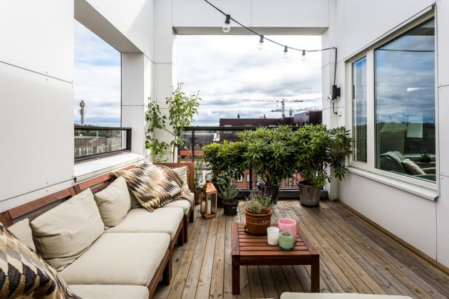 15 Magnificent Transitional Balcony Designs You'll Enjoy