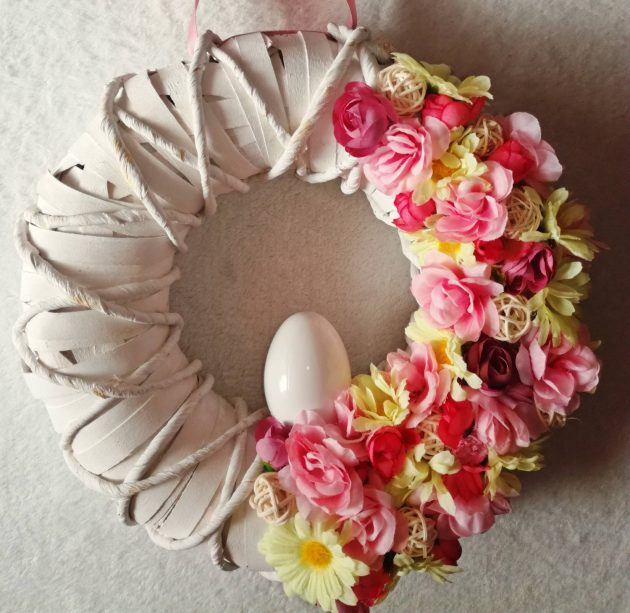 15 Whimsical Handmade Easter Wreath Designs Youre Going To Adore