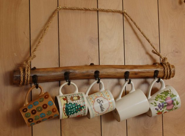 17 Rustic Handmade Mug Rack Designs For Your Kitchen